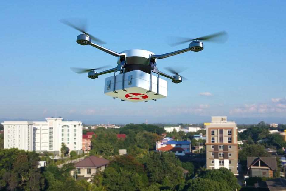 drone-spraying-sanitizer-control-coronavirus